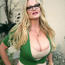 Kelly Madison