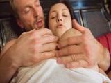 Un despertar glorioso con su mujer, una tetona de cuidado! - Tetonas