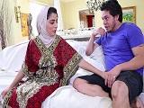 Nadia Ali follando como una diosa, la pornstar pakistaní - HD