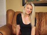Rubia mamando un gran rabo en el casting porno - Rubias