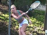 Se le da bien el tenis, pero Kayden Kross quiere folleteo - HD