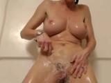 La ducha viene acompañada de una buena masturbación - Masturbaciones