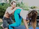 Erik Everhard es el profesor de yoga reparte folladas - XXX
