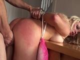 Victoria Summers recibe una follada muy salvaje, que dolor! - Porno Duro