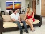 James Deen se pincha a Tanya Tate en el sofá de su casa - XXX