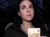 Españolita se gana la vida en el extranjero follando por dinero - Español