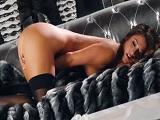 Tremendo el orgasmo que tiene Eva Lovia, que pasada - Masturbaciones