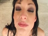 La morena Sofia Valentine hace un bukkake muy guarro - Mamadas