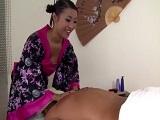 Sharon Lee se dedica a dar masajes con follada incluida - Asiaticas