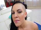 Rachel Madori acaba con una corrida en toda su cara - Porno Duro