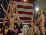 Asa Akira y Bridgette B follando en un club de striptease - Sexo Gratis