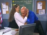 Le hace una visita a su marido al trabajo para follar duro - HD