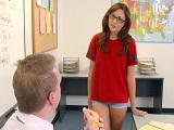 Si se folla a su profesor, aprobará el curso, si no, no! - Jovencitas