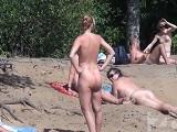 Joder, grabé una mamada en esta playa nudista.. - Mamadas