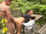 La barbacoa termina con una buena orgía en el jardín - Orgias