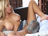 La señora Olivia Austin disfruta de un tremendo polvazo - Milf