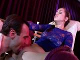 Profesor y bailarina se ponen a follar encima del escenario - Sexo Gratis