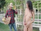 Oye vecina, pero que haces desnuda en la calle? - Culos