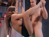 Otra stripper que se termina follando a su joven cliente! - HD