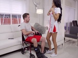 Vaya con la enfermera de urgencia, que polvo que tiene.. - Sexo Gratis