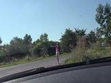 La recoge haciendo autostop y tenemos sexo en el coche.. - Amateur