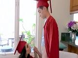 Celebrando la graduación universitaria ... - Incesto