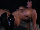 Gina Valetina y Romi Rain follando en mitad de la calle! - Lesbianas