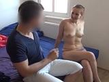 La convence con dinero para tener sexo con ella en casa - Amateur