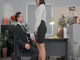 Pero que coño quiere la secretaria? Estamos trabajando! - Sexo Gratis
