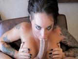 Christy Mack tiene un buen culo y hace buenas pajas cubanas - Masturbaciones