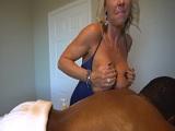 Mi mujer me da unos masajes de lo más complacientes.. - Mamadas
