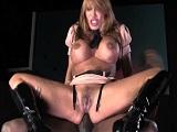 Ava Devine disfruta de los pollones negros rompiéndole el culo - Anal